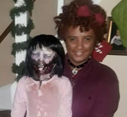 muñeca zombie / Fuente: Twitter @youngemouth