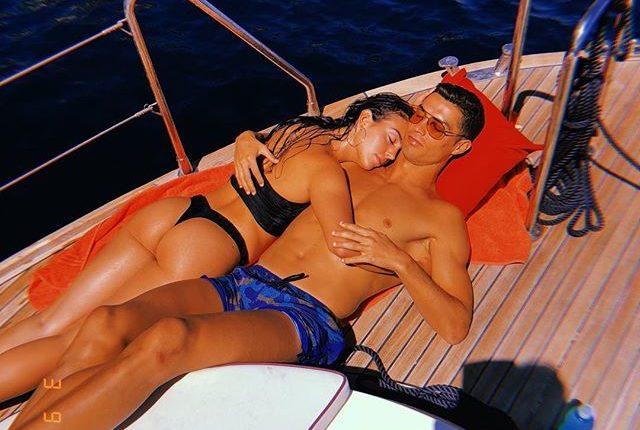georgina rodriguez y cristiano ronaldo en yate luciendo bikini