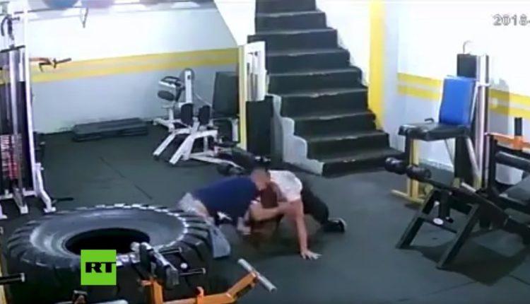 hombre golpea ex novia colombia