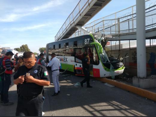 accidente vial Mexibús/ Fuente: Twitter @vialhermes
