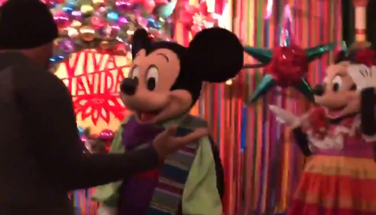 Mickey mouse propuesta matrimonio
