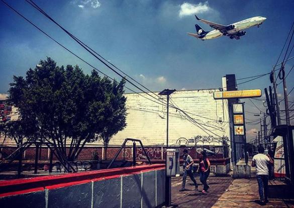 Hombre se lanza a vías de Metro Hangares y provoca marcha lenta