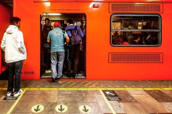 Estas son las estaciones de metro donde más roban en la CDMX