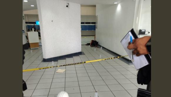 Se registra asalto en Banamex de Naucalpan hay 1 muerto y 6 heridos