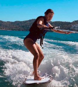 ingrid coronado dejó la conducción de venga la alegria tv azteca para dedicare al surf