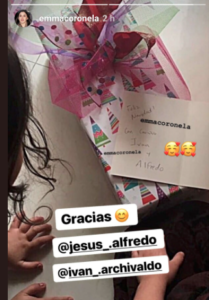 emma coronel ayuda a los menos afortunados esta navidad regala juguetes y medicamentos instagram