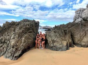 andrea legarreta presume sus vacaciones y figura de envidia en bikini cabo san lucas