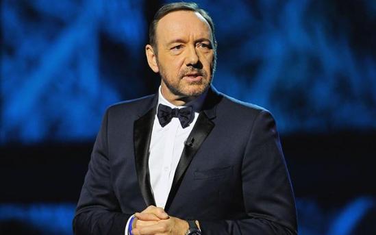 Víctima de Kevin Spacey asegura que tiene videos del abuso