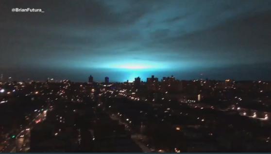 Un impactante destello azul sorprende a Nueva York explosion de transformador eléctrico