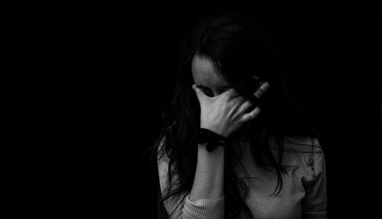 mujer descubre que su esposo fingió ser agente de la cia