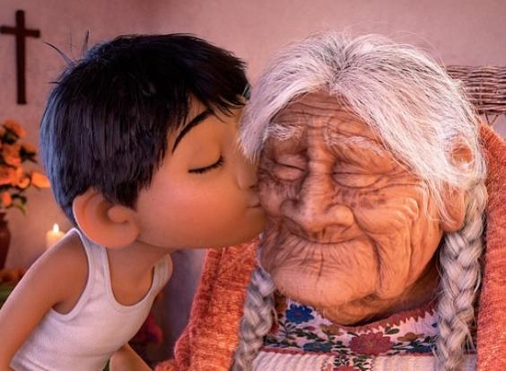 Reconocen a mujer mexicana que inspiró 'Coco' de Disney