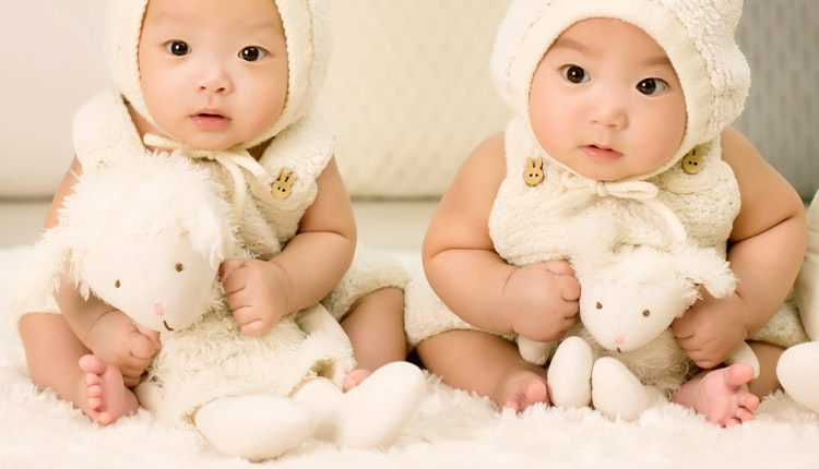 gemelos diferente padre