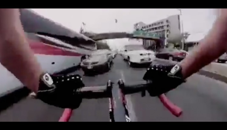 ciclista en sentido contrario constituyentes