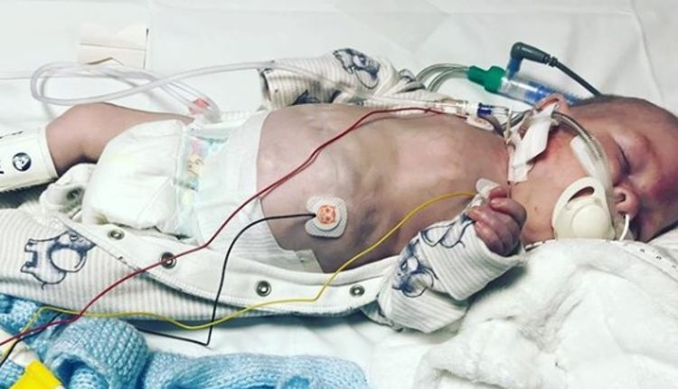 hospital tiró a recién nacido