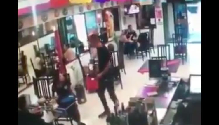 ladrones entran a restaurante