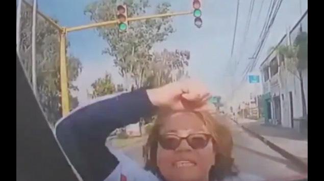 golpean a chofer