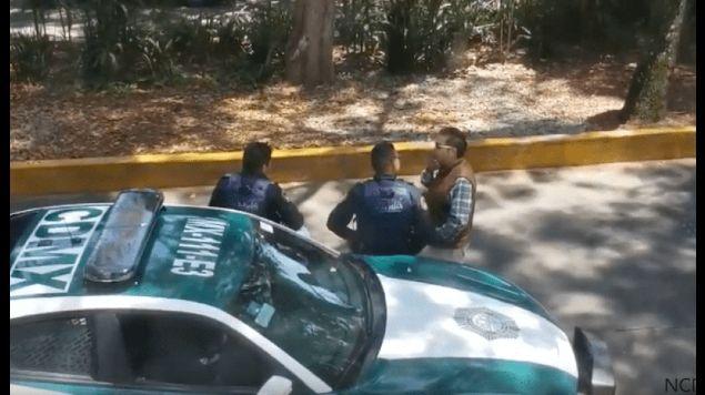 policias mordida persignan