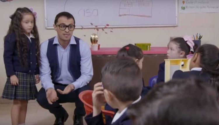 niña abuso profesor