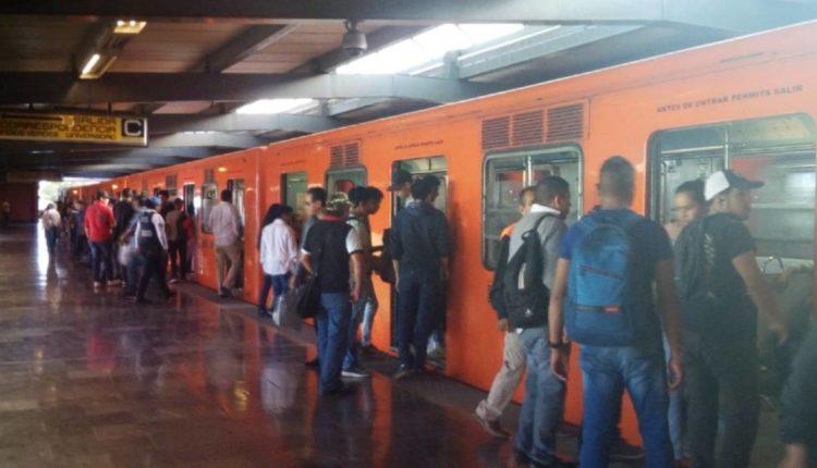 mujer vagón exclusivo metro